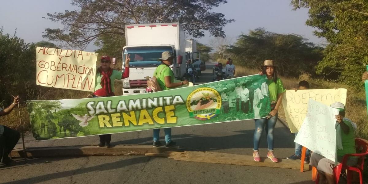 Campesinos de Salaminita bloquearon la vía Fundación - Pivijay