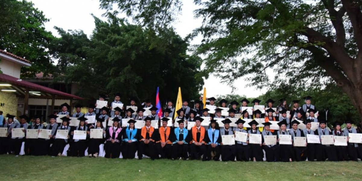 La Universidad del Magdalena realizó ceremonia de grados para 125 profesionales que cursaron especializaciones y maestrías.