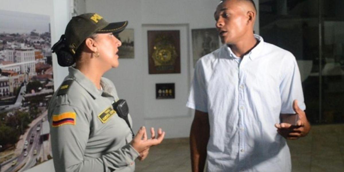 Sujeto que realizó el cobro exagerado de servicios a unos turistas en Cartagena.