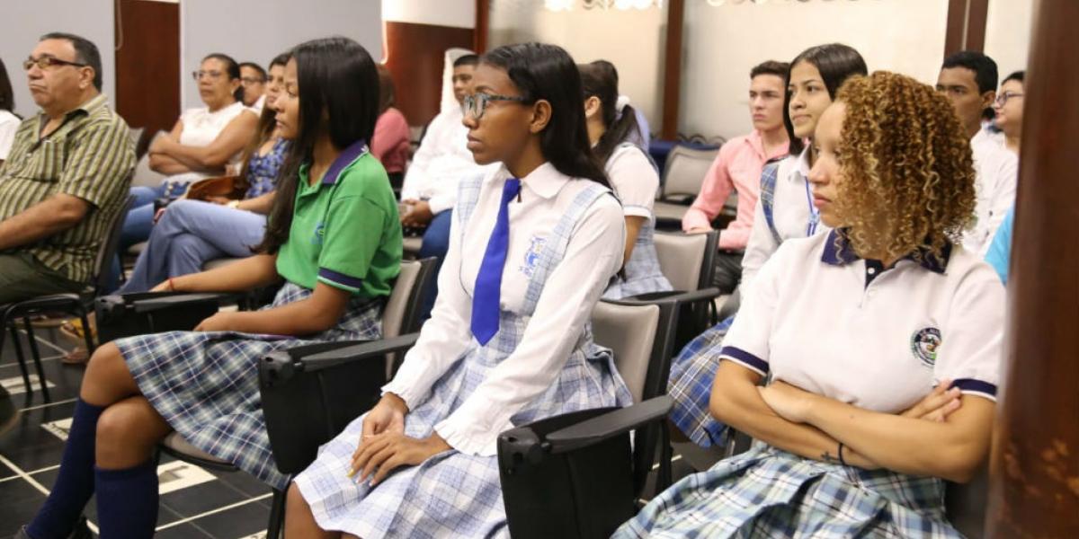 Estudiantes beneficiados por las becas.