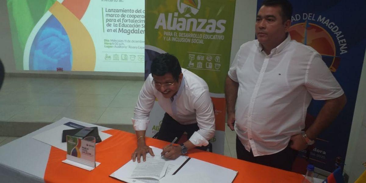 En la mañana de este miércoles se firmó el convenio entre las dos instituciones.