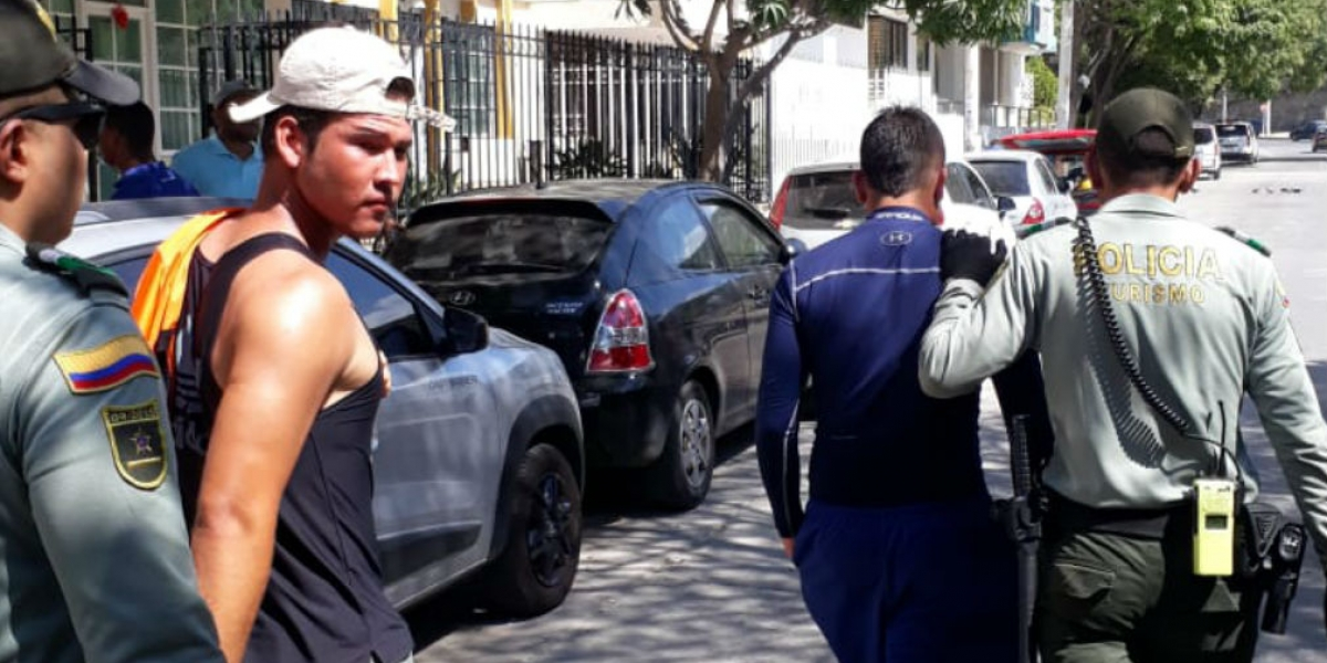 Varias personas fueron detenidas por la agresión a los funcionarios.