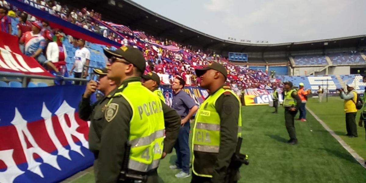 La situación fue atendida por el Secretario de Seguridad del Distrito y personal de la Policía Metropolitana.