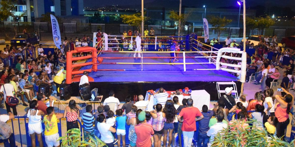 Intercambio boxístico en Ciudad Equidad.