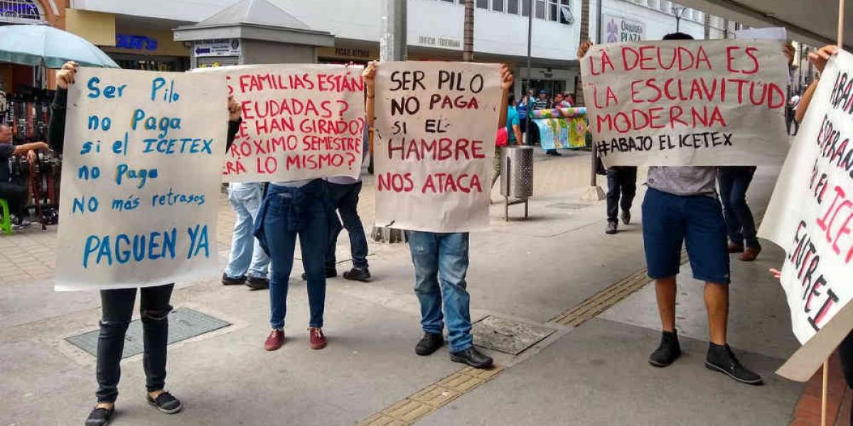 Estudiantes del Programa 'Ser Pilo Paga' reclaman su cuota de sostenimiento
