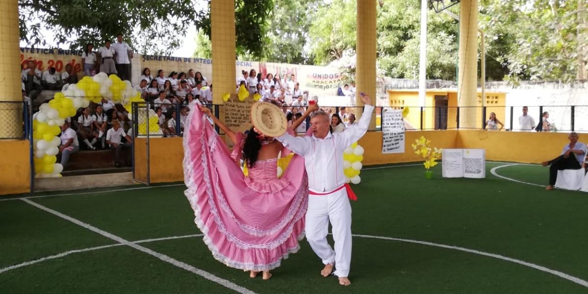 Congreso de Veracruz conmemora el natalicio de ¿Francisco García Márquez — Epic Fail