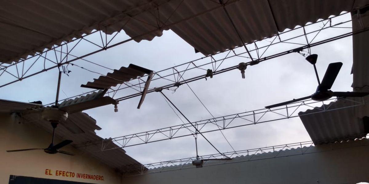 Casas destechadas dejó el vendaval en Tenerife.