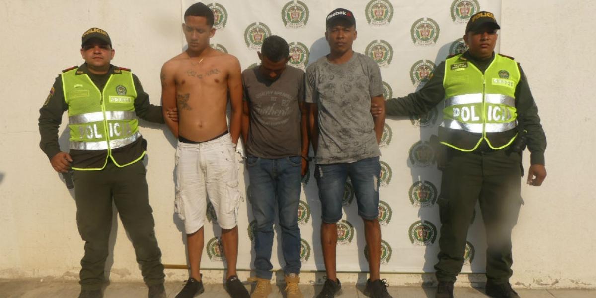 Antony Ávila Sevilla, Luis Alarcón Orozco y William Prado Ceballos, atracadores capturados por hurto.