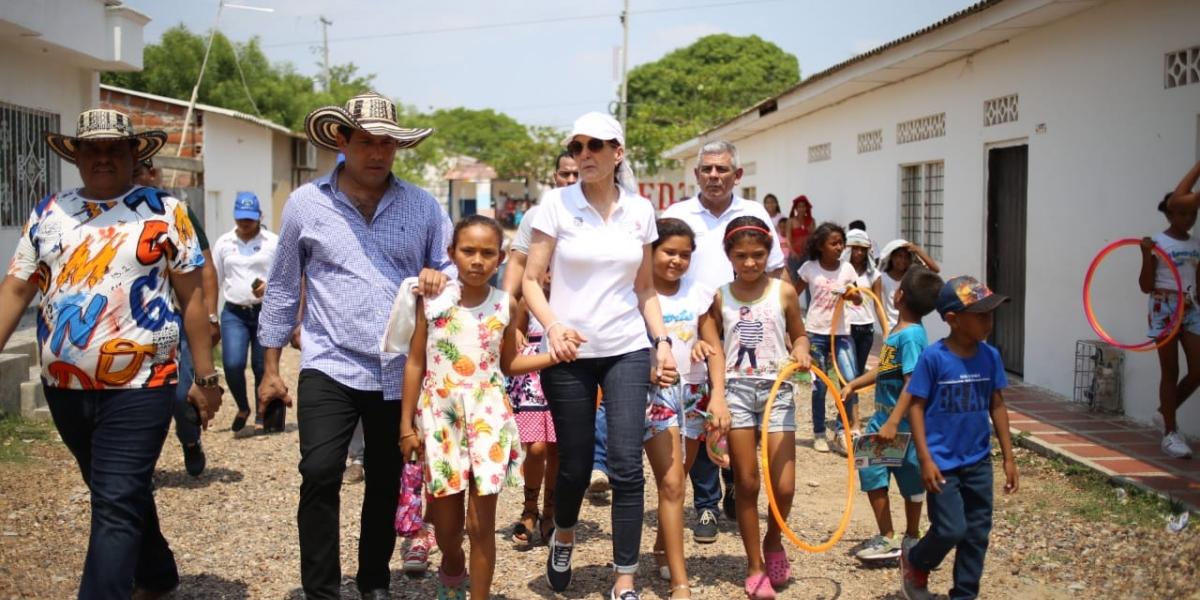 Miembros de la Gobernación del Magdalena llegan a Tenerife, población damnificada por el vendaval