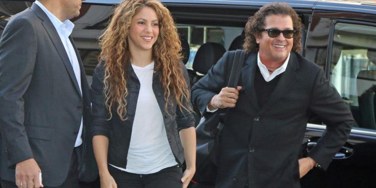Shakira y Carlos Vives llegando al Tribunal español a defender la bicicleta