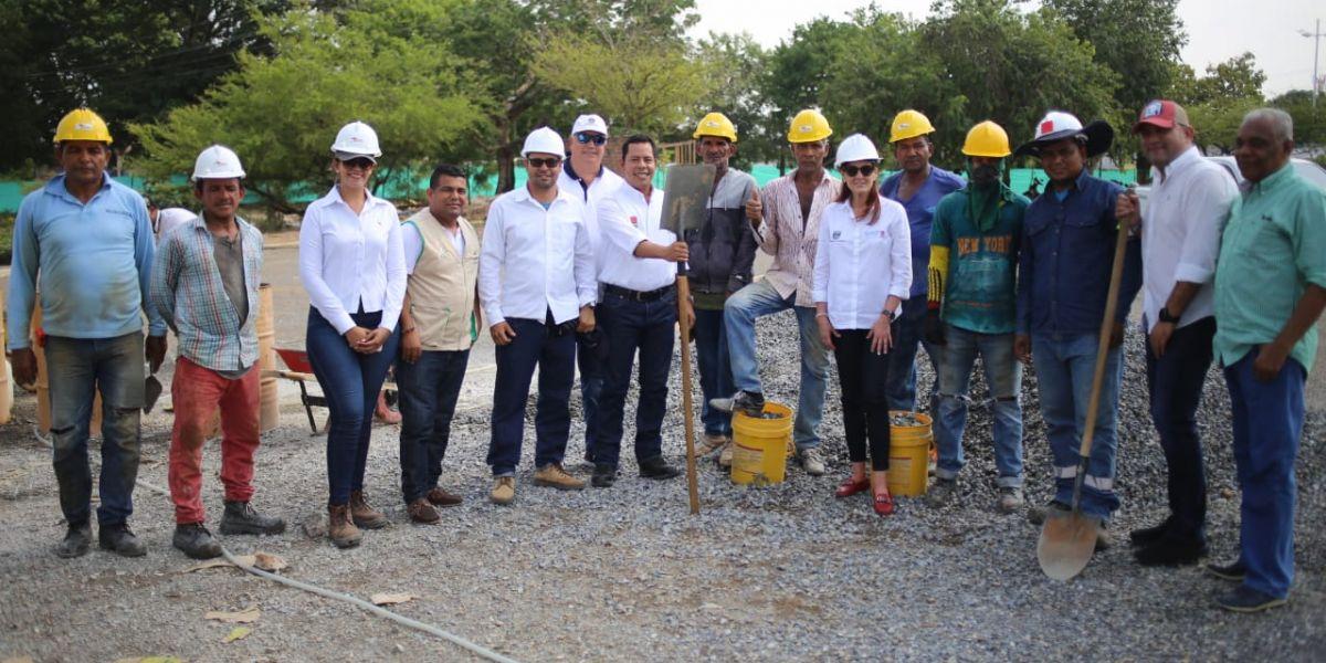 En su recorrido la mandataria estuvo acompañada por el alcalde Víctor Rangel, el jefe de la Oficina de Paz, Atención a Víctimas Derechos Humanos y Posconflicto, Luis Miguel Gómez.