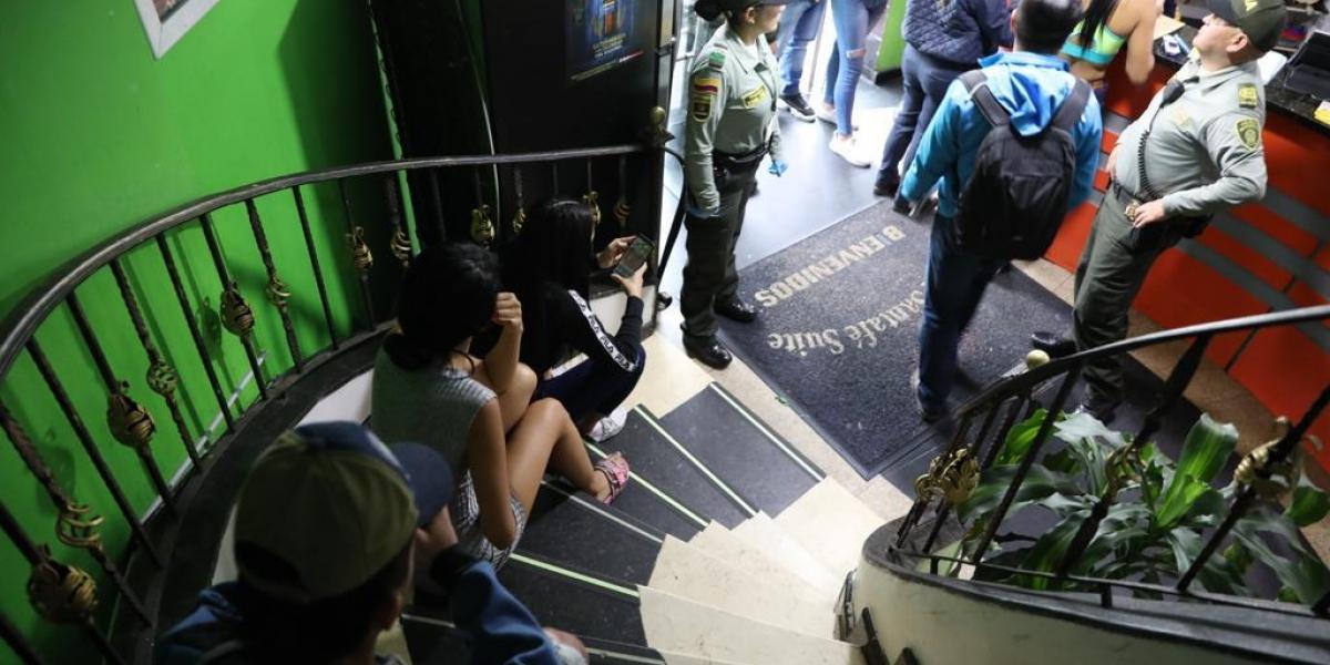 Autoridades y funcionarios de entidades intervinieron una zona de tolerancia de la capital