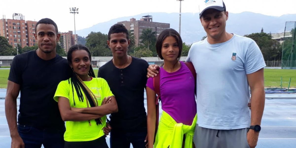 Los atletas de Suárez tuvieron una destacada participación en el nacional de atletismo.