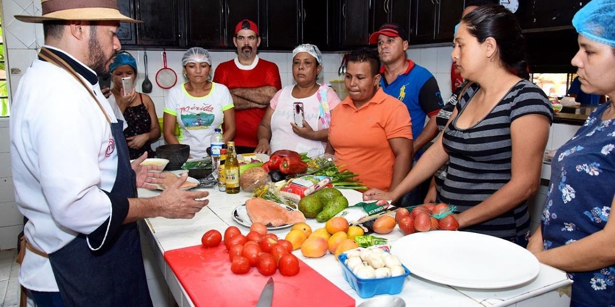 Capacitación a samarios en gastronomía