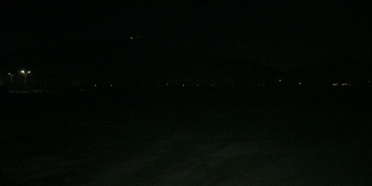Así luce la pista de BMX en horas de la noche.