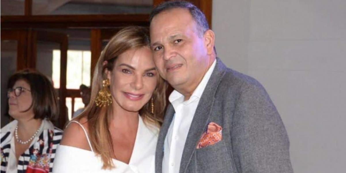 María Mónica Urbina y su fallecido esposo.