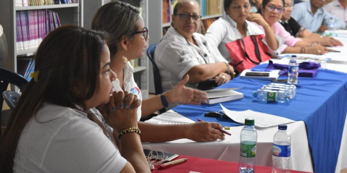 Durante las socializaciones se actúa de manera inmediata en la recepción de dudas e inquietudes que tenga la comunidad educativa.