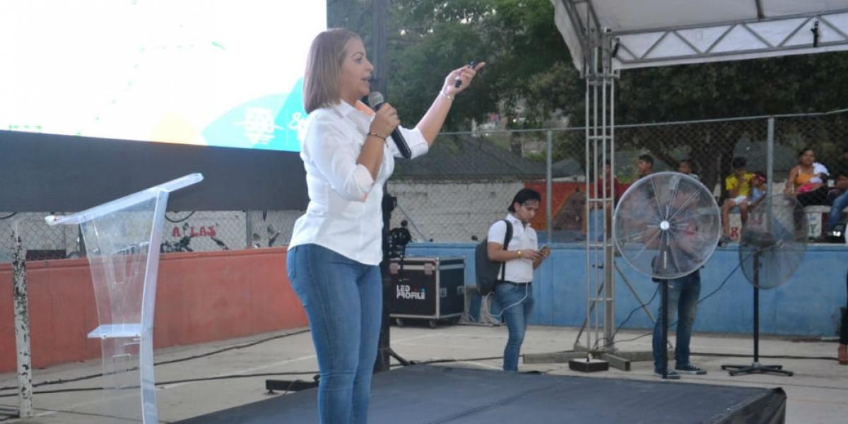 Ingrid Aguirre, gerente de la Essmar, durante la rendición de cuentas.