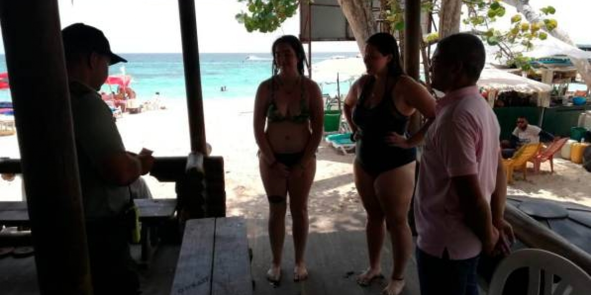 Intentan estafar a turistas americanas en playa de Cartagena