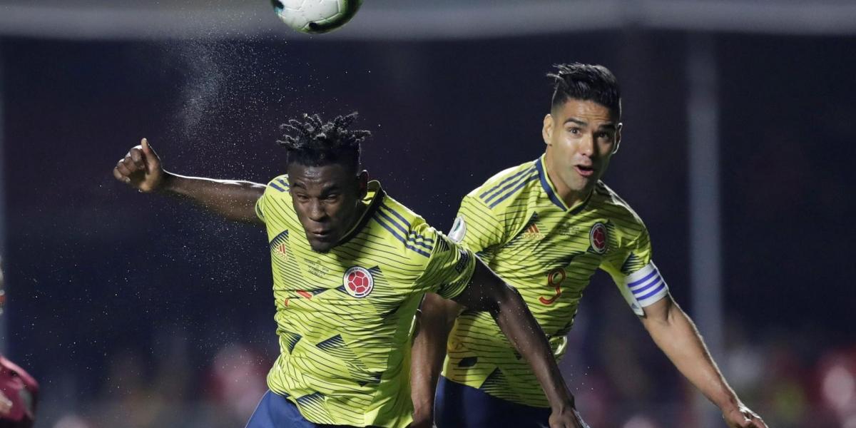 Después de muchas ocasiones erradas, apareció Zapata para mandarla al fondo.