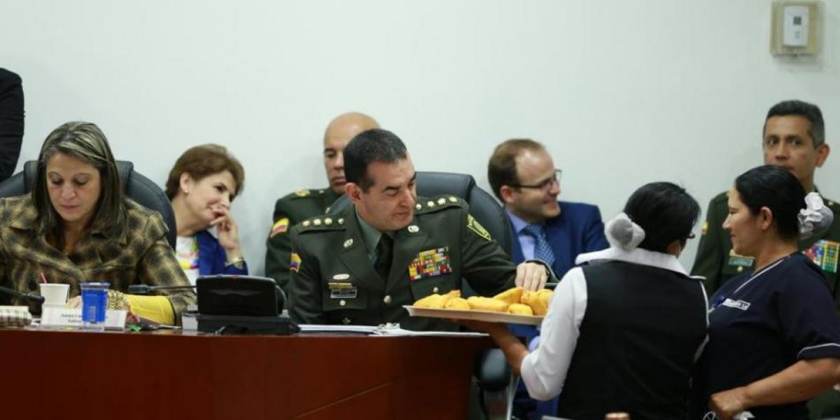 Durante el debate en el Congreso algunos legisladores mandaron a traer empanadas.
