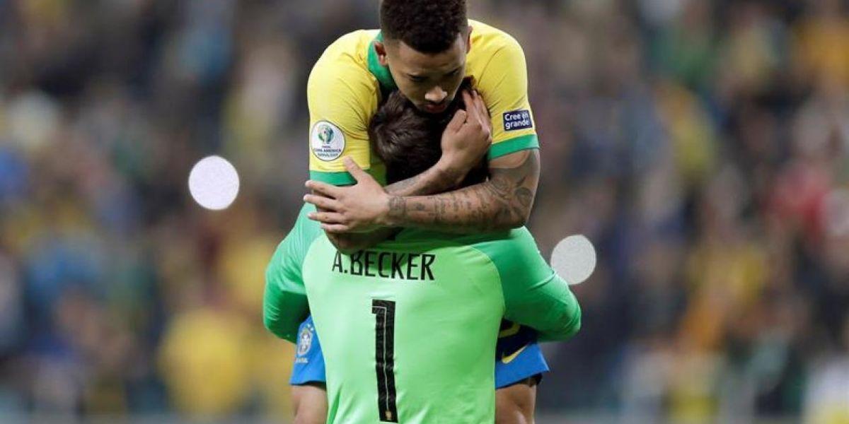 El abrazo de Gabriel Jesús y el portero Alisson.