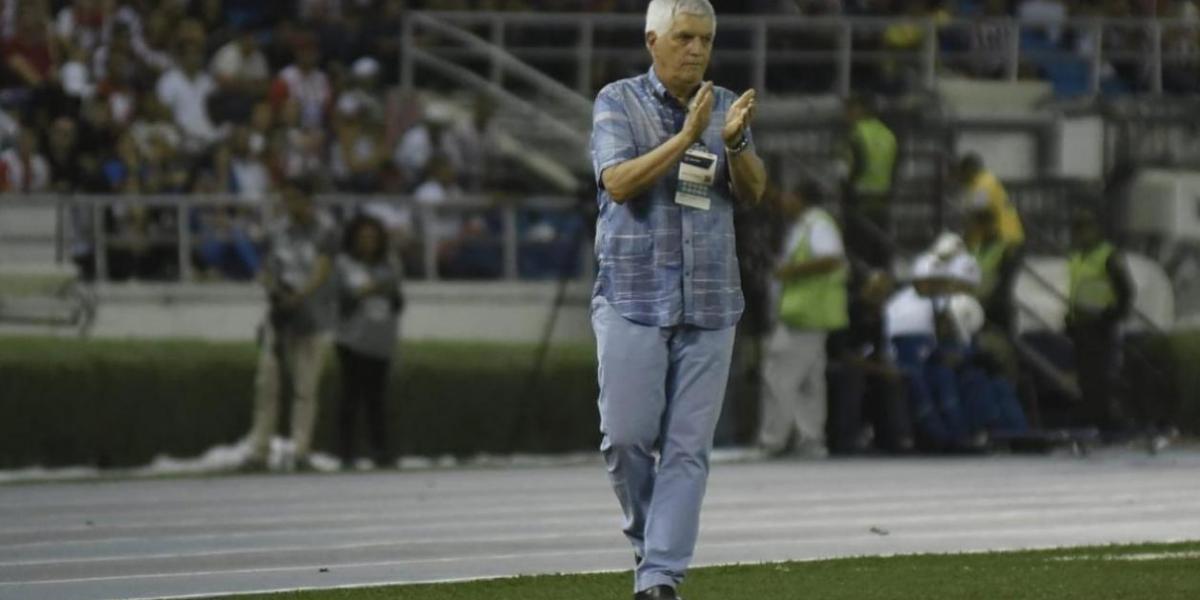 El técnico de Junior, Julio Comesaña.