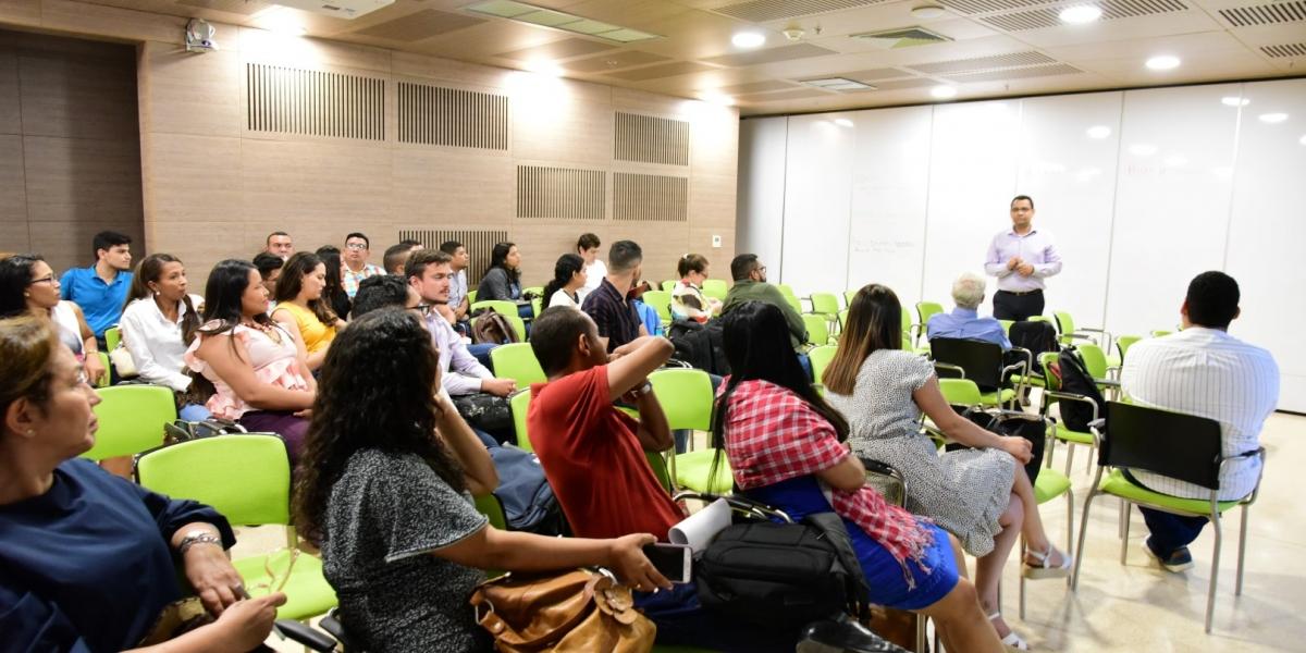 Esta capacitación estuvo enmarcada en el desarrollo académico en alta calidad que los postgrados de la Facultad de Ciencias Empresariales y Económicas.
