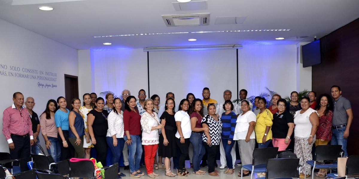 Docentes de Taganga se capacitaron sobre diversas temáticas