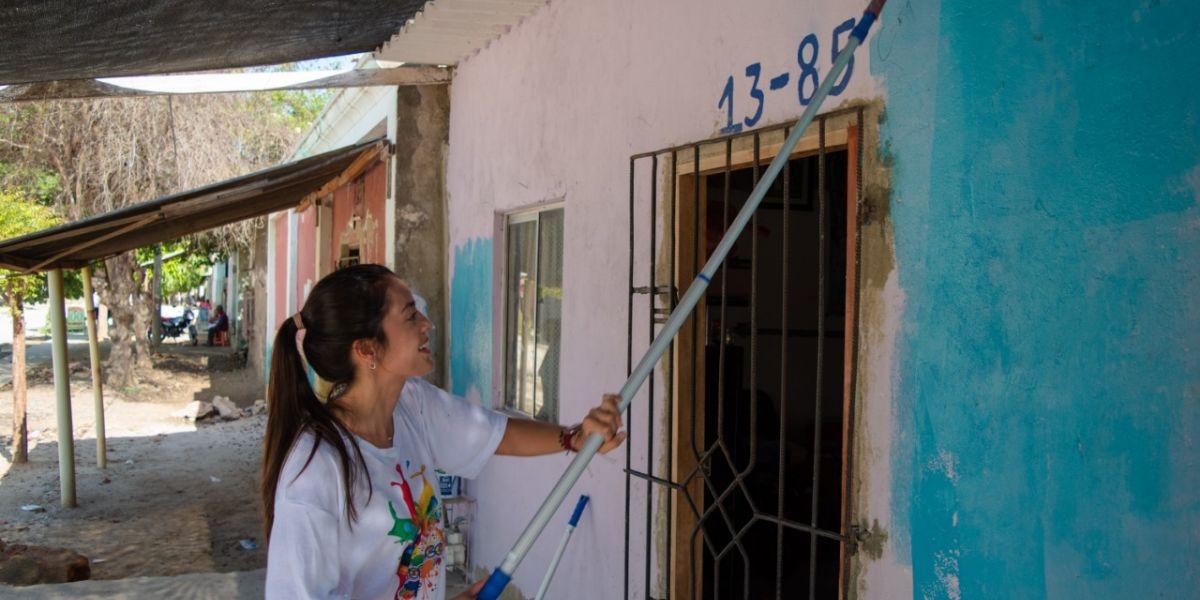 En la jornada pintaron 200 fachadas y un mural.