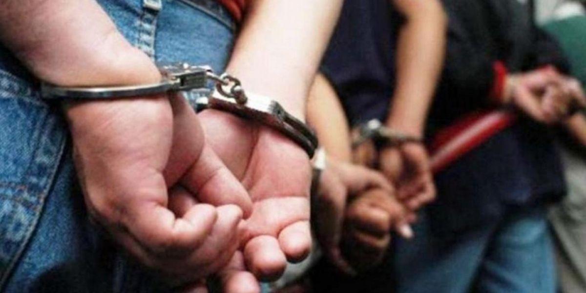 Los capturados fueron puestos a disposición de la Fiscalía.