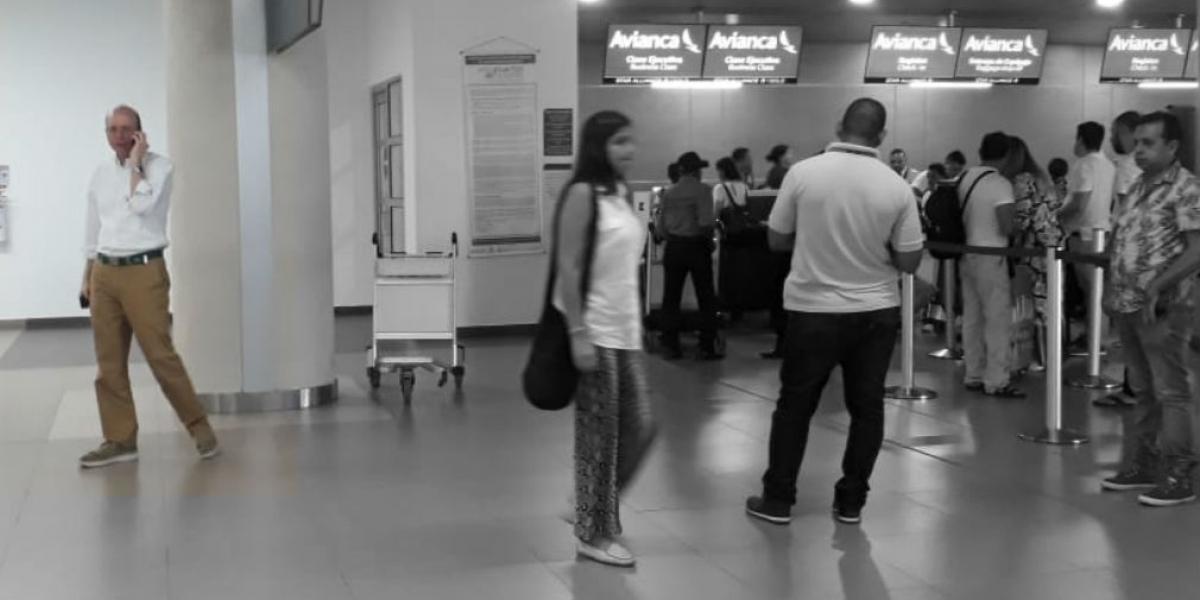 Andrés Rugeles en el aeropuerto Simón Bolívar.