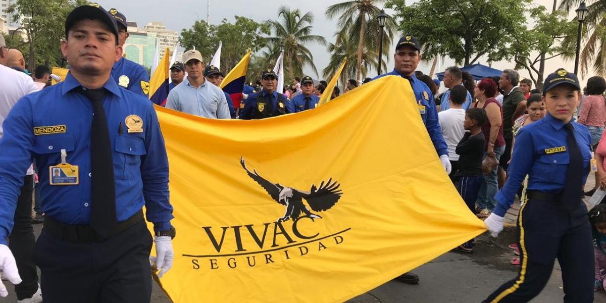 Vivac, empresa que brinda seguridad en la ciudad hizo presencia en el desfile