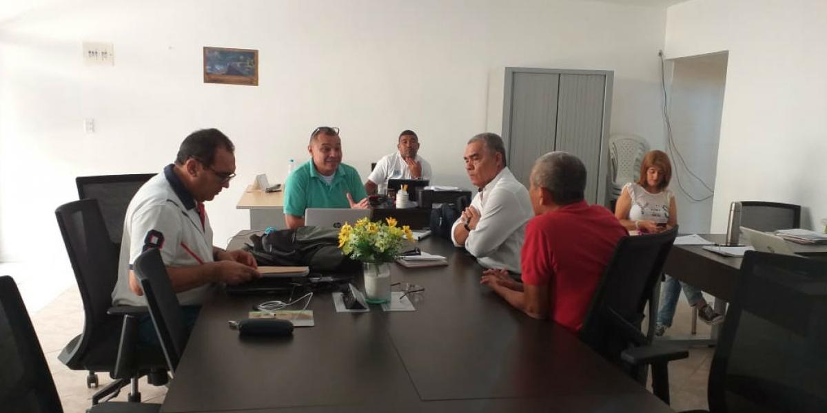Reunión entre la Alta Consejería para la Sierra Nevada y Zona Rural del Distrito; y la Esap.