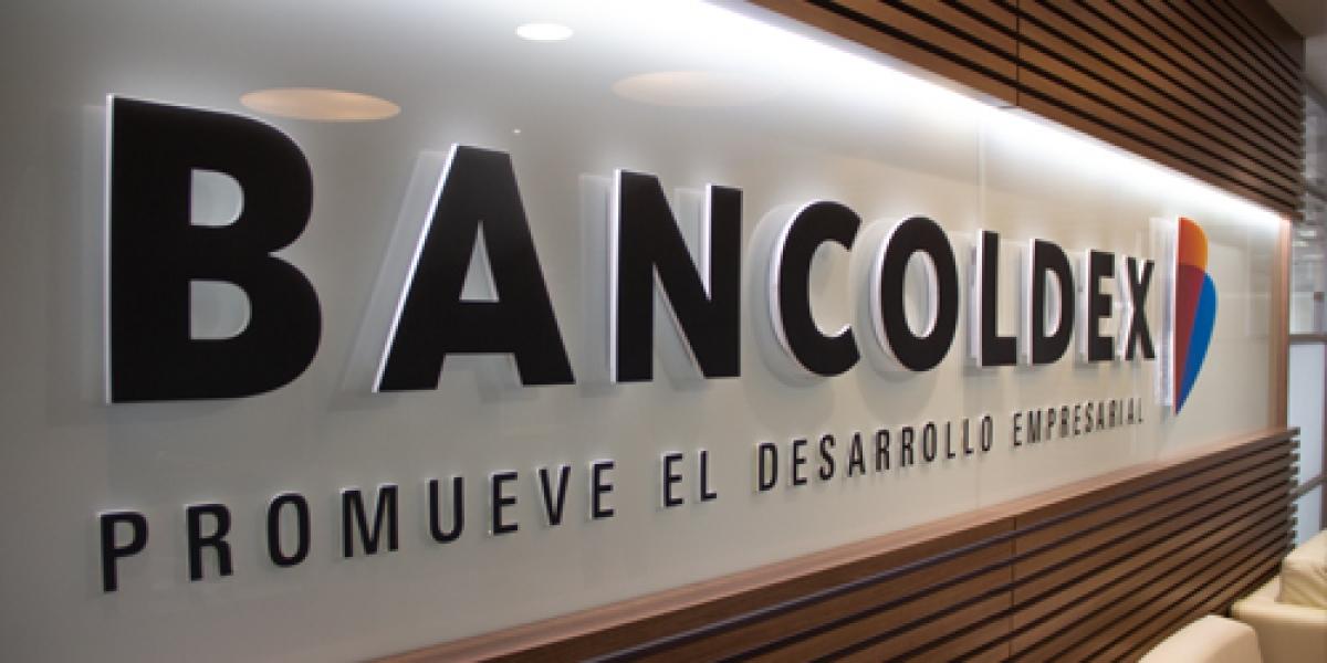 La línea de crédito dispone de un monto máximo por microempresa de $50 millones de pesos, con un plazo de hasta tres años.