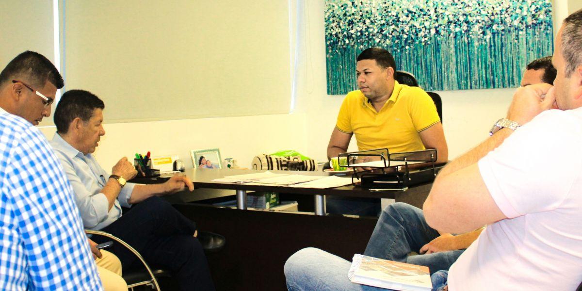 En la reunión participaron miembros del equipo técnico de Aguas del Magdalena, además de los delegados de la Alcaldía de Sitionuevo.