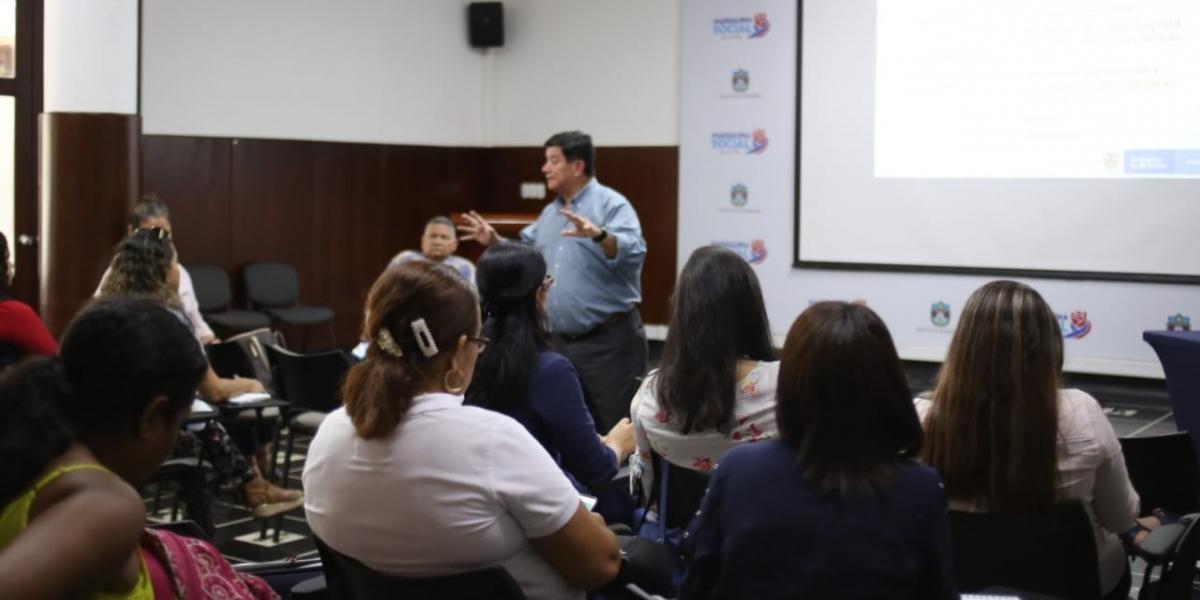 El Ministerio del Trabajo realiza jornadas de sensibilización y socialización en las entidades territoriales de país para fomentar la inclusión.