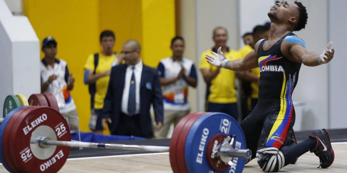 Francisco Mosquera gana medalla de Plata y Bronce en Mundial de Pesas