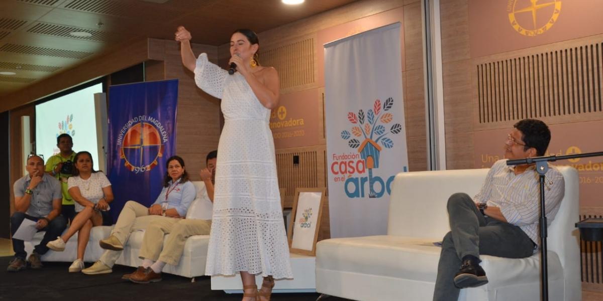Taliana Vargas cuenta los avances de la Fundación Casa en el Árbol.