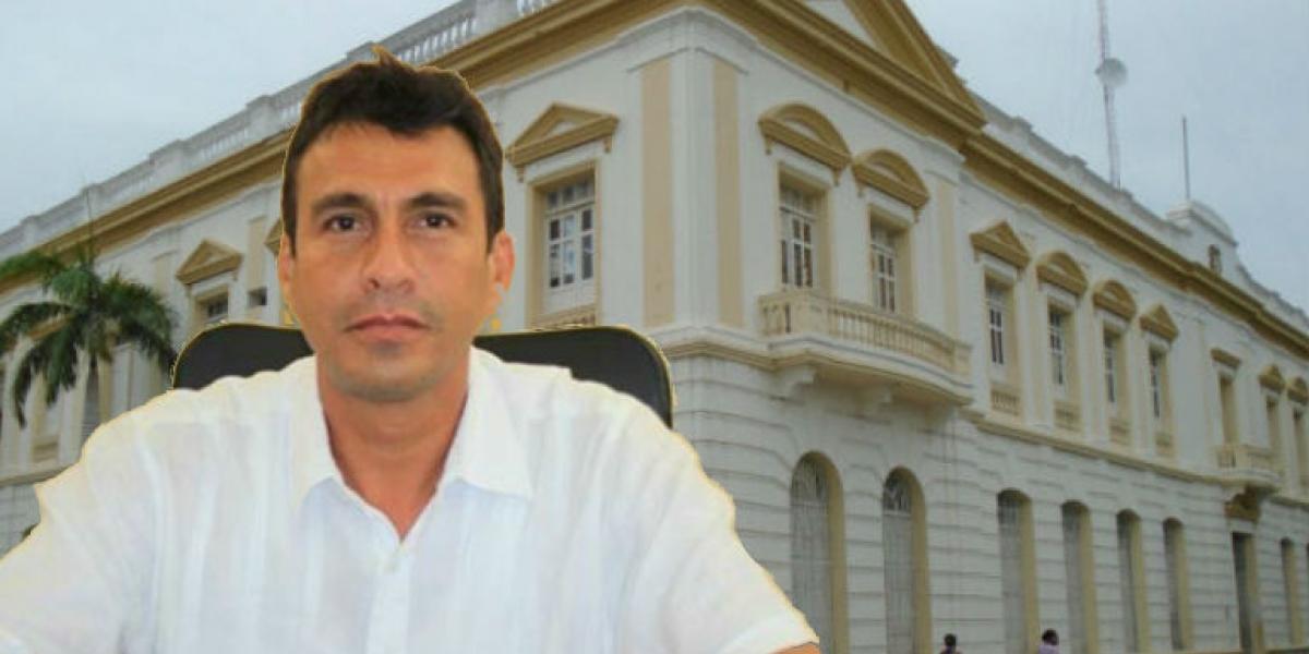 Julio David Alzamora, presidente de la Asamblea, cuestionado por presunto acceso carnal abusivo.