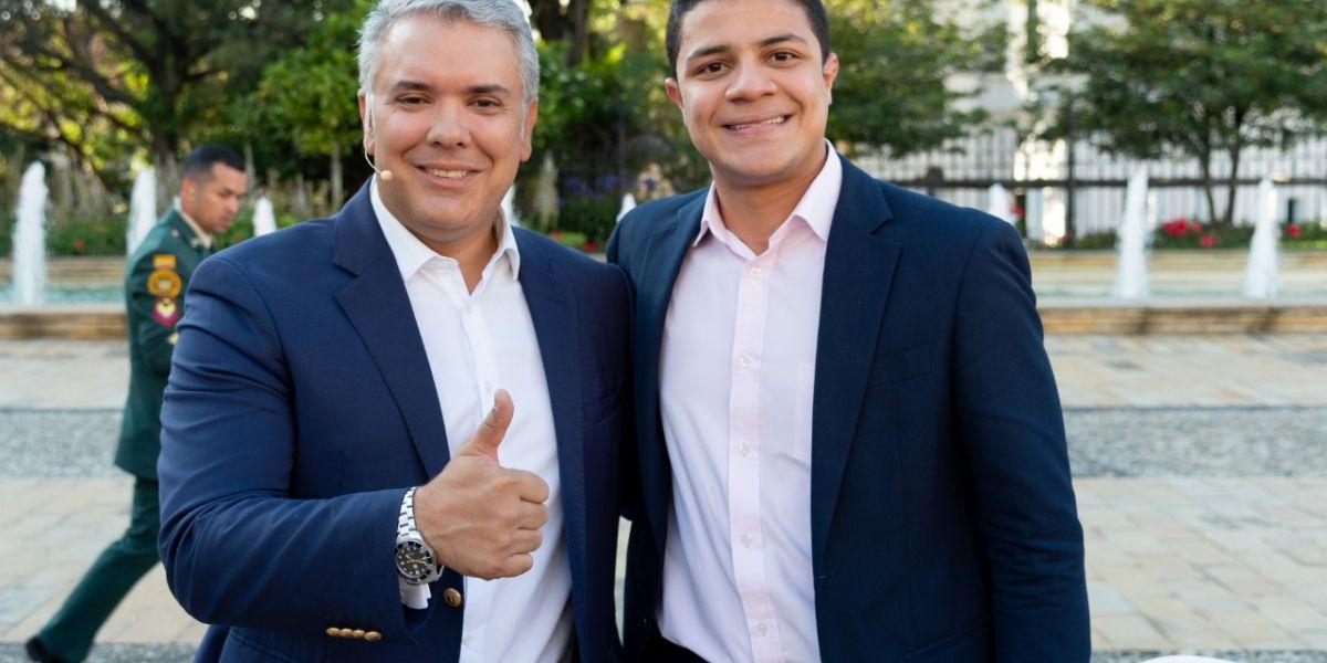 Sergista Yilber Moisés Acosta Pérez con Iván Duque