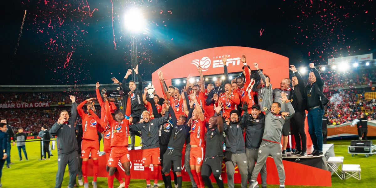 América festejó su primer título de la temporada ante Millonarios de Gamero.