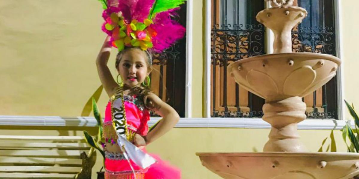 Reina Infantil del Carnaval de Mamatoco en la categoría Teterito.