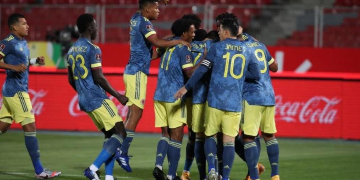 Celebración del gol de Lerma.