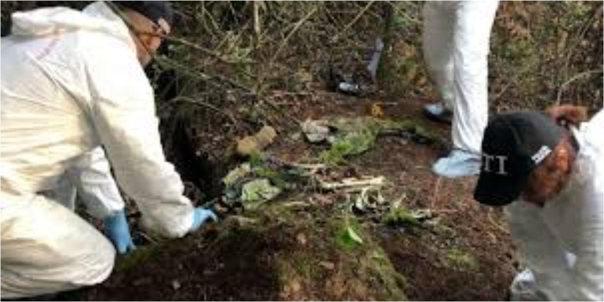Estaban enterrados en un terreno baldío en el barrio La Esmeralda.