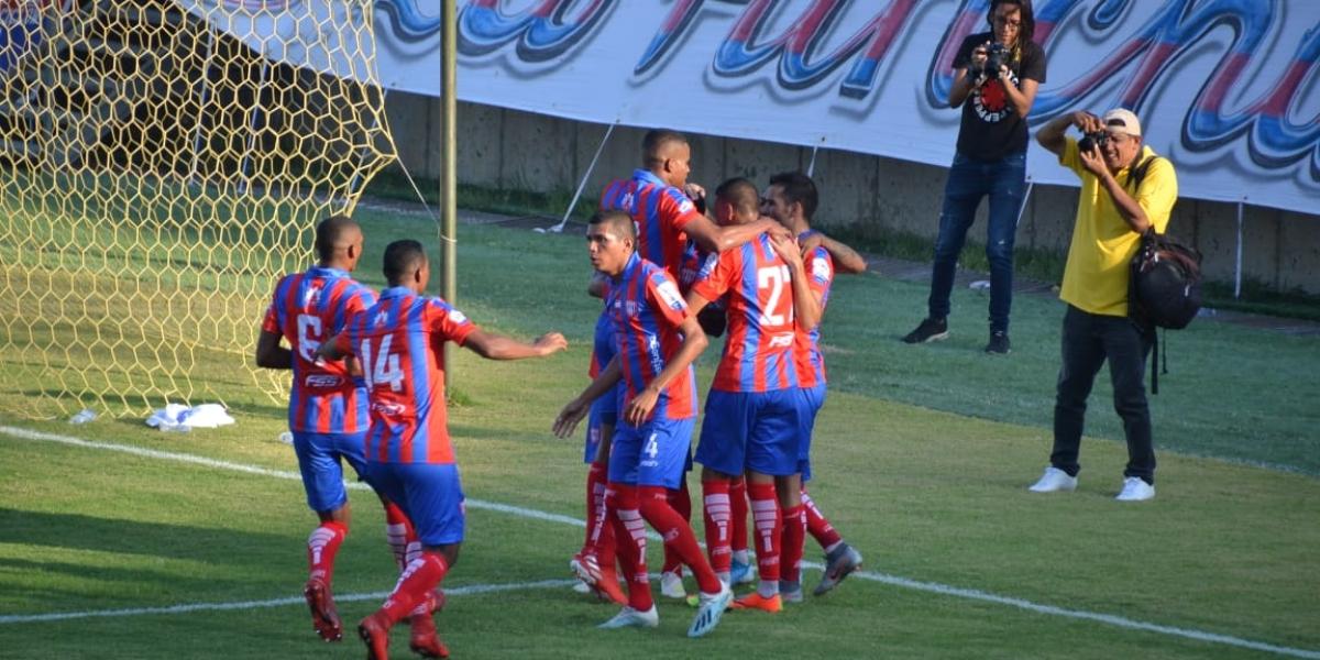 Celebración del gol del Unión.