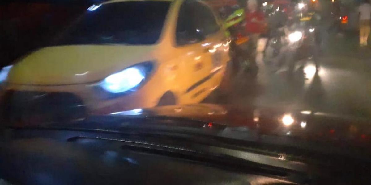 Taxi en el cual se movilizaba la víctima.