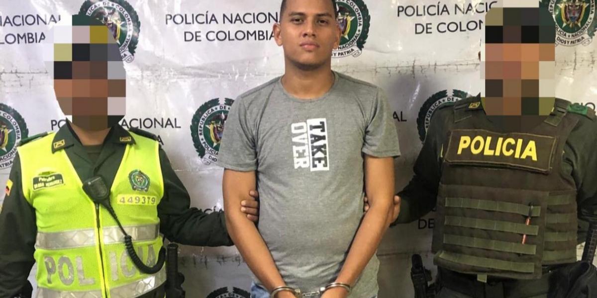 Robinson Andrés Robles Espinosa,  alias La 'carta'.