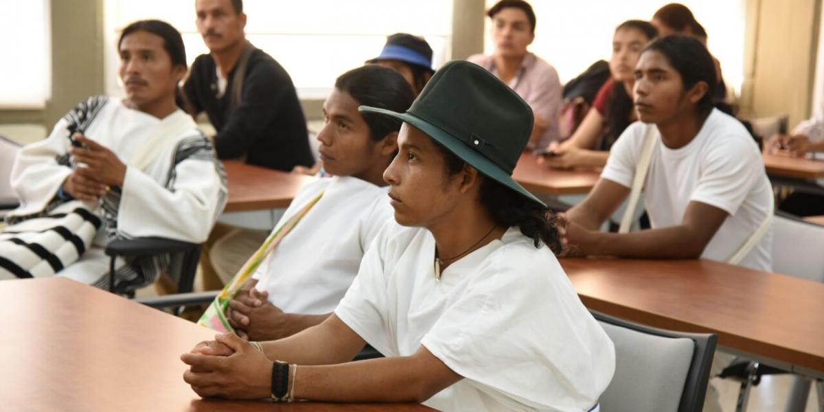 Los Kogui, Arhuacos, Wiwa, Wayúu, Kankuamos, Chimilas, Zenú, Yukpas, entre otras etnias indígenas del Caribe reconocidas por el Ministerio del Interior, se verán favorecidos con dos becas cada año para los programas de maestría y doctorados.