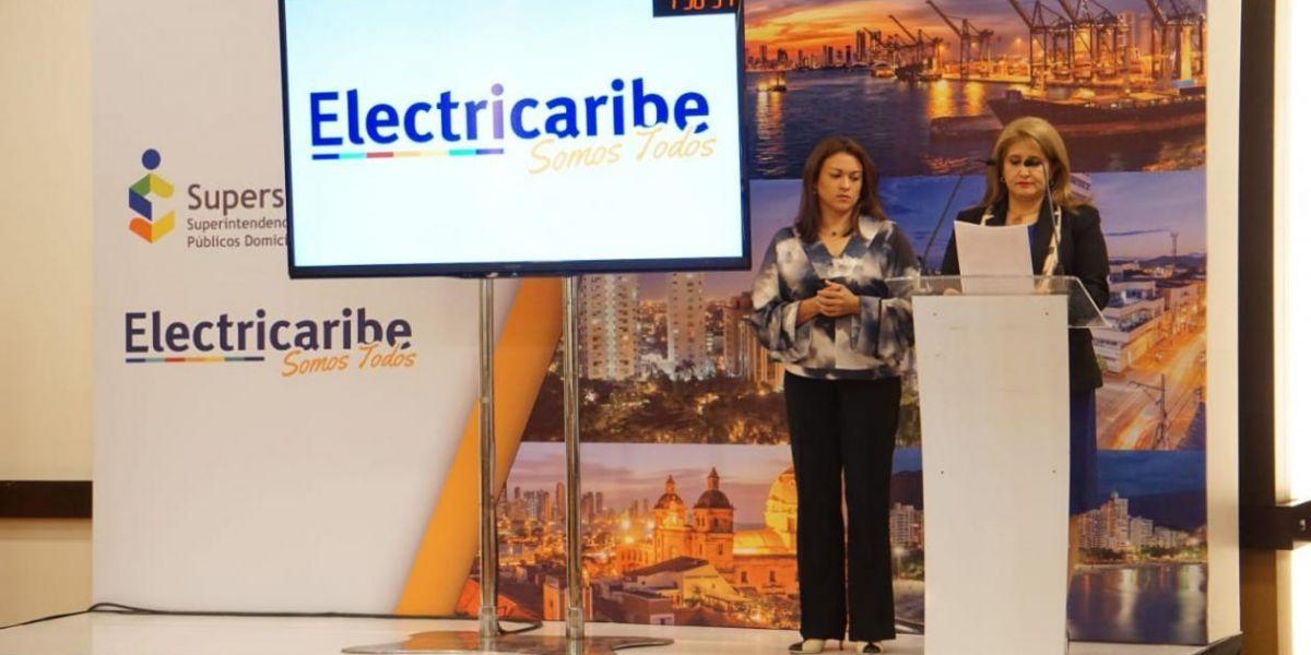 Ángela Patricia Rojas Combariza, agente Especial de Electricaribe, firmó con Empresas Públicas de Medellín -EPM- y el Consorcio Energía de la Costa.